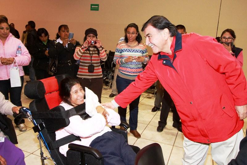 El gobernador Mariano González Zarur encabezó la entrega de 312 apoyos funcionales y aparatos auditivos para personas con discapacidad, acto en el que reafirmó el compromiso de su administración para lograr la transformación de la vida de las familias tlaxcaltecas
